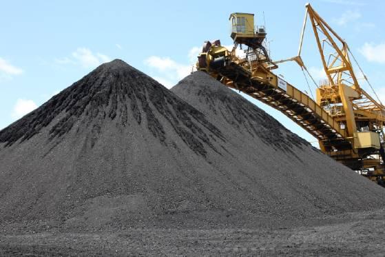 מצבור פחם בתחנת הכוח